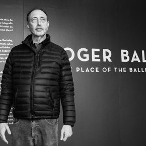 American photographer Roger Ballen at his The Place of the Ballenesque exhibit in Matucana 100, Santiago. Photo: courtesy of Matucana 100.