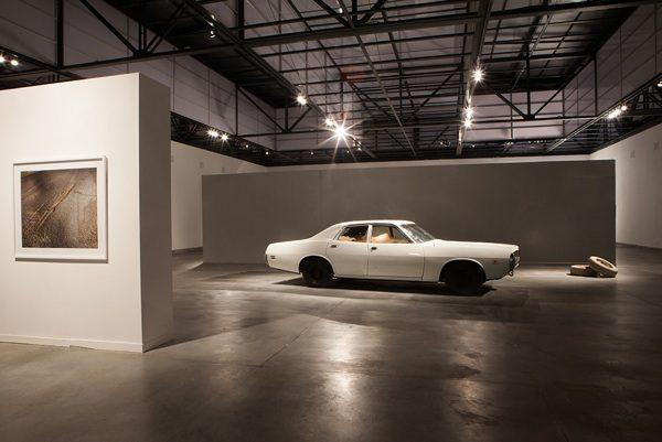 Andrés Marroquín Winkelmann, Toda cuidad es un destino porque es, en principio, una utopía, 2013. Vista de instalación en el Museo de Arte Contemporáneo de Lima (MAC). Cortesía del artista