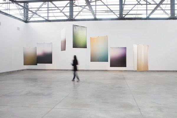 Andrés Marroquín Winkelmann,Toda cuidad es un destino porque es,en principio, una utopía, 2013. Vista de instalación en el Museo de Arte Contemporáneo de Lima (MAC). Cortesía del artista