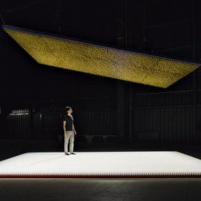 Cildo Meireles, Amerikkka, 1991-2013. Vista de la instalación en la Fondazione HangarBicocca, 2014. Foto: Agostino Osio. Cortesía: Fondazione HangarBicocca, Milán; Cildo Meireles