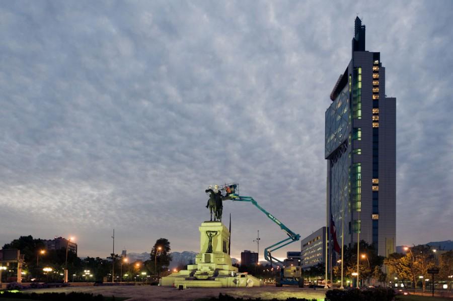 Iván Bravo, Comodoro, 2012, proceso de vaciado de la escultura del General Baquedano, ex presidente de Chile. Foto: Bruno Giliberto