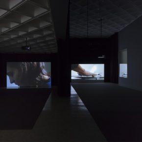 Vista de la muestra de Anri Sala en el Museo Tamayo, Ciudad de México. Foto: Agustín Garza, cortesía del museo.
