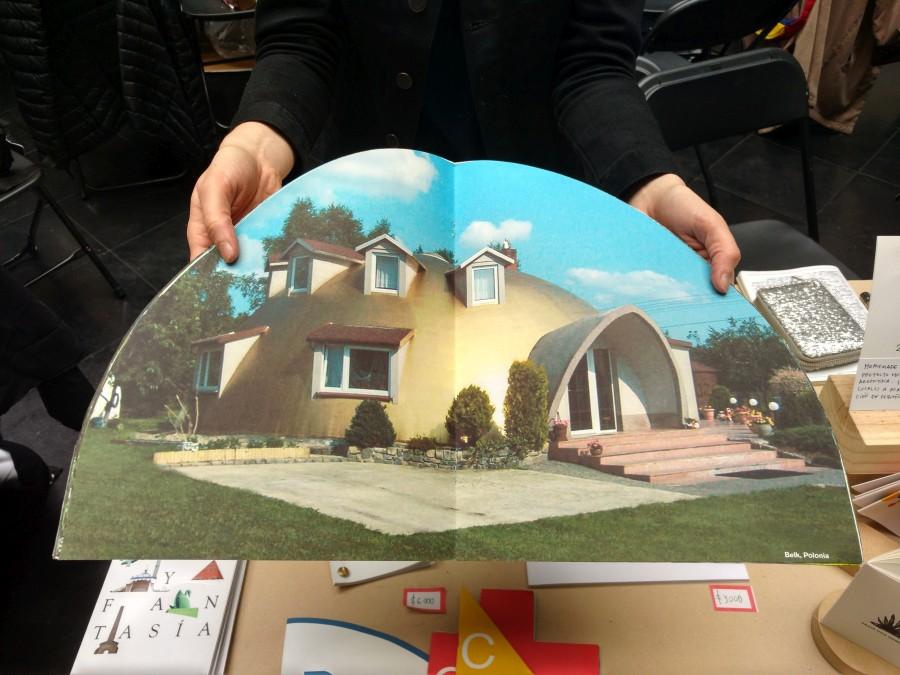 Casas Domo, de Corina Arrieta, Homemade Ediciones (Argentina), en Feria Impresionante 2017. Foto: Alejandra Villasmil