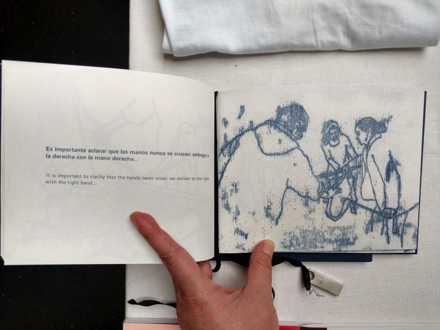 Manual, de Catalina Bauer (Ediciones Popolet) en el stand de Die Ecke (Chile), en la feria Impresionante 2017. Foto: Alejandra Villasmil