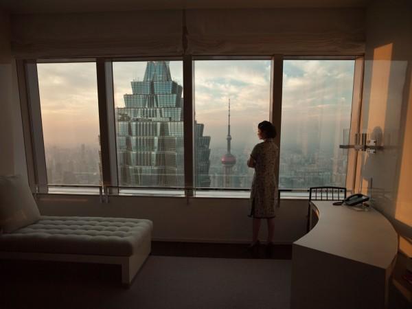 Isaac Julien, Hotel (Ten Thousand Waves), 2010, fotografía Endura Ultra, 180 x 240 cm Cortesía del artista, Metro Pictures, Nueva York, y Victoria Miro Gallery, Londres