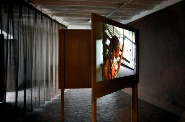 La Javanaise (2012), de Wendelein Van Oldenborgh. Cortesía de la artista