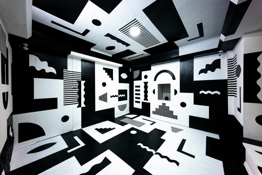 """Vista de la exposición """"Jazzy"""", de Paula «SNKE» Godoy, en Galería TOC, Santiago de Chile, 2017. Cortesía de la galería"""