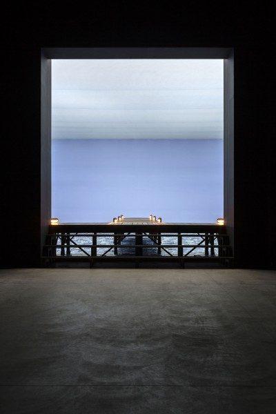 Cildo Meireles, Marulho, 1991-1997. Vista de la instalación en la Fondazione HangarBicocca, 2014. Foto: Agostino Osio. Cortesía: Fondazione HangarBicocca, Milán; Cildo Meireles