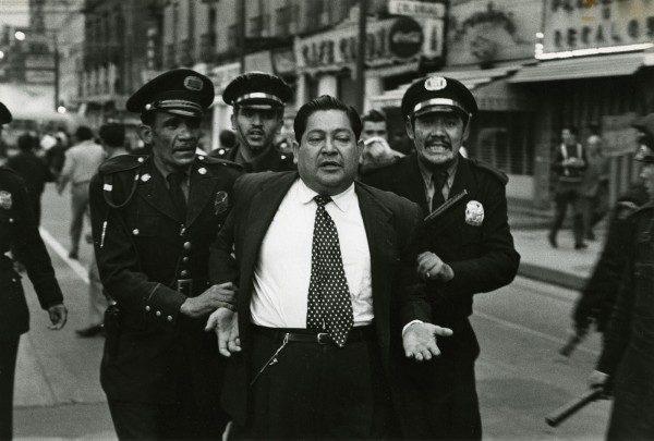 Nacho López, Huelga de maestros, Ciudad de México, 1957. Colección de Leticia y Stanislas Poniatowski © Nacho López