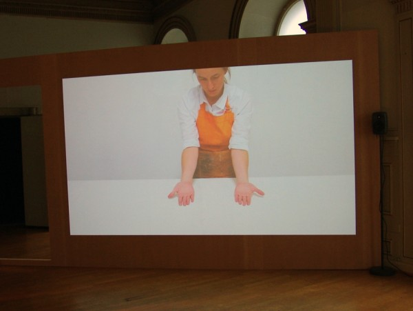 Panacea (2012), video de Catalina Bauer, Cortesía Stiftelsen Gallery 3, 14