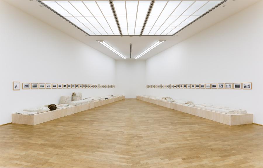 Franz Erhard Walther, Werksatz, 1963-1969, © VG Bild-Kunst, Bonn 2017 / Timm Rautert, Werkaufnahmen des 1. Werksatzes von F.E. Walther, 1969/1970 © Timm Rautert. Foto: Axel Schneider