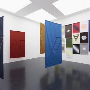 Vista de la muestra Dedicated To The Bird We Love de Felipe Mujica en Galería von Bartha, S-chanf, Suiza.