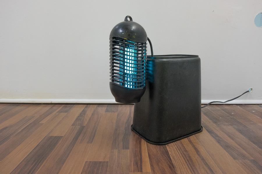 """Colonial Trap, de Yiyo Tirado. Vista de la exposición """"Caribbean Blues"""", Miami, 2017. Cortesía del artista y Km 0.2, Puerto Rico."""
