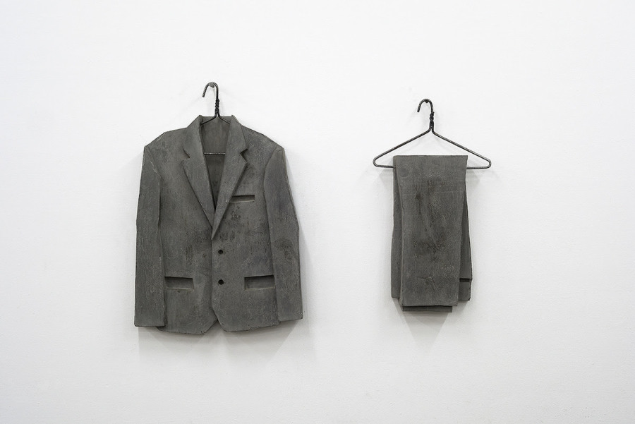 Alejandro Almanza Pereda, The Suit Makes The Man (I.A.M.), 2017. En Curro, feria Untitled, Miami, 2017. Cortesía de la galería