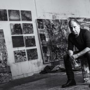 El artista chileno Jorge Tacla. Foto: Ari Maldonado, cortesía del artista.