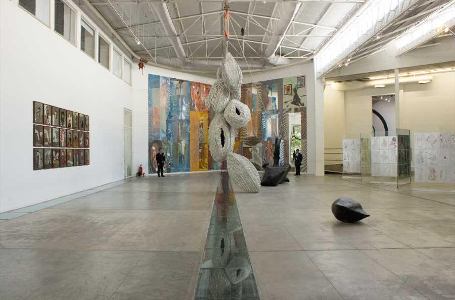 """Vista de la exposición """"El Narciso de Jesús"""", de Ray Smith, en La Tallera, Cuernavaca, México, 2017-2018. Foto cortesía de La Tallera"""