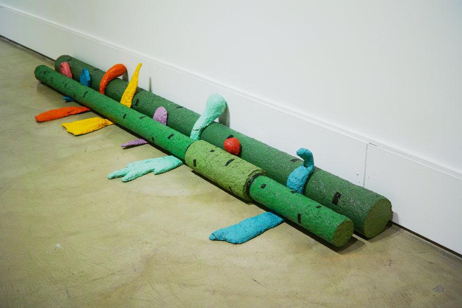 """Puesta a Tierra, de Ilich Castillo. Vista de la exposición """"Objeto Diferido"""",en el Centro de Arte Contemporáneo (CAC), Quito, 2017-2018. Cortesía del artista"""