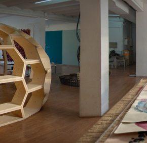 Estudio de los artistas cubanos Los Carpinteros en Madrid. Cortesía: Open Studio Madrid