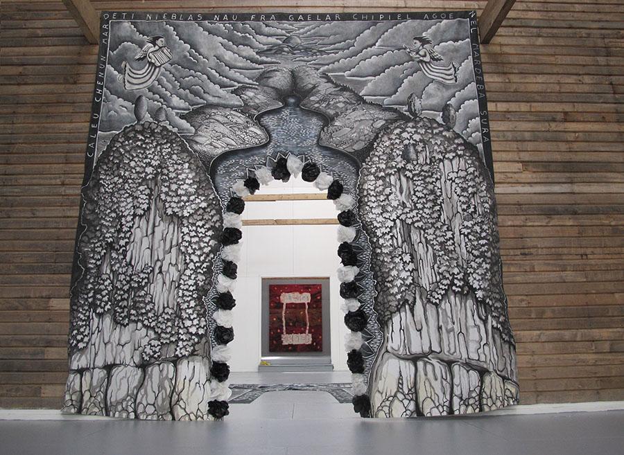 Mural Pasacalle de Guillermo Grez, parte de la XXX Muestra Anual del Museo de Arte Moderno de Chiloé en Castro, Chile. Foto: cortesía MAM Chiloé.