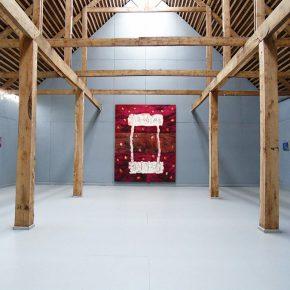 Vista del segmento Error de gravedad de Jorge Tacla, parte de la XXX Muestra Anual del Museo de Arte Moderno de Chiloé en Castro, Chile. Foto: cortesía MAM Chiloé.