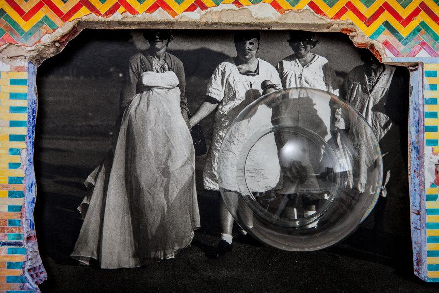 Ángela Bonadies (Venezuela, b. 1970), Copia original: Diane Arbus + Gordon Matta-Clark + Grete Stern (Original Copy: Diane Arbus + Gordon Matta-Clark + Grete Stern), 2011–14. Digital inkjet print. Courtesy of the artist