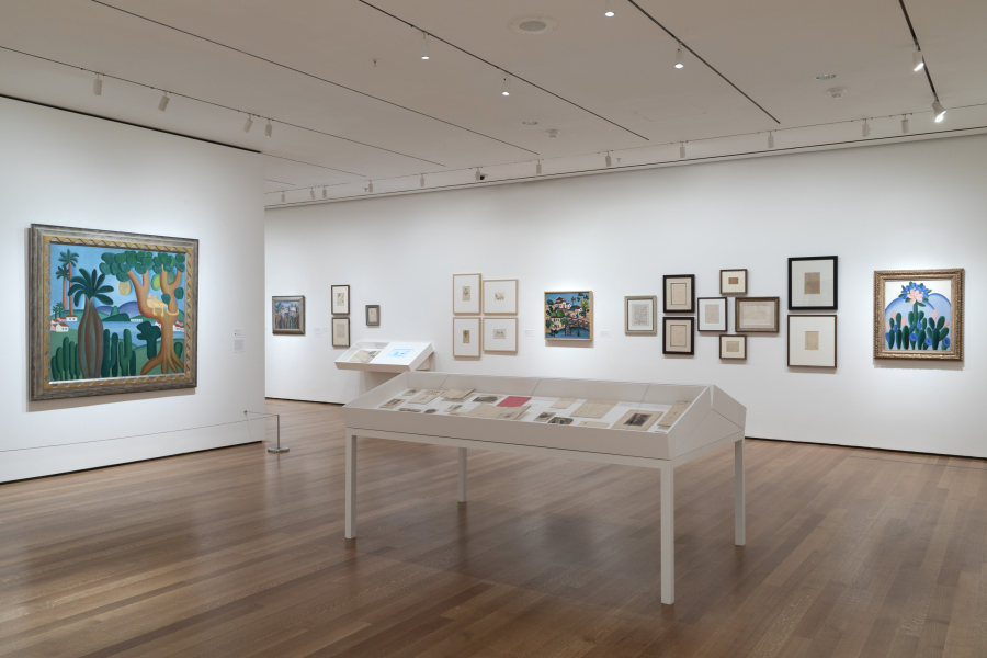 "Vista de la exposición ""Tarsila do Amaral: Inventing Modern Art in Brazil"", The Museum of Modern Art, Nueva York, 2018. © MoMA. Foto: Robert Gerhardt"