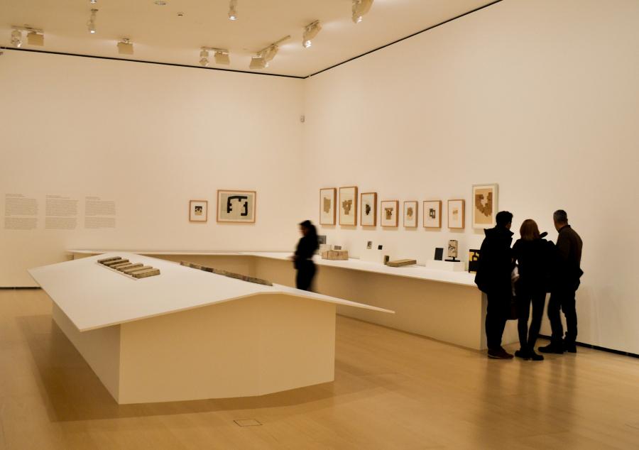"""Vista de la exposición """"El Arte y el Espacio"""" (Sala 1), en el Museo Guggenheim Bilbao, 2018. Foto: Leyla Dunia"""