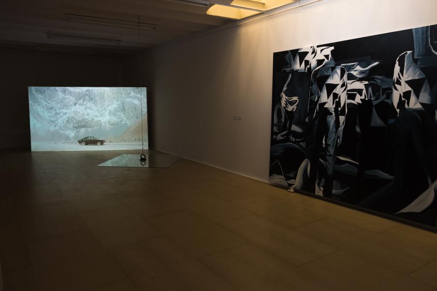 Vista de la muestra colectiva Horizonte de Sucesos en OTR Espacio de Arte, Madrid. Foto: cortesía de la galería.