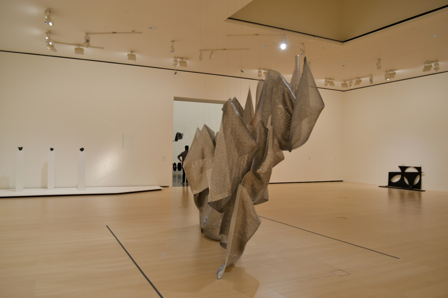"""Shotz, Mendizábal, Kurant. Vista de la exposición """"El Arte y el Espacio"""" (Sala 3), en el Museo Guggenheim Bilbao, 2018. Foto: Leyla Dunia"""