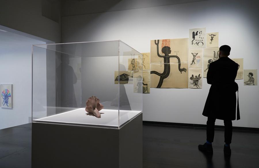 """Vista de la exposición """"Meridianos"""", de Sandra Vásquez de la Horra, en galería Senda, Barcelona, 2018. Cortesía de la galería"""