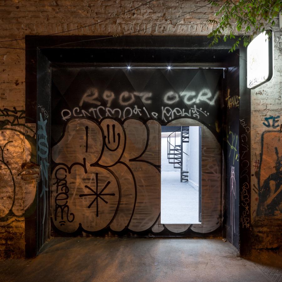 """Vista de la exposición """"Ceguera"""", de Catalina Andonie, en Sagrada Mercancía, Santiago de Chile, 2018. Foto: Felipe Ugalde"""