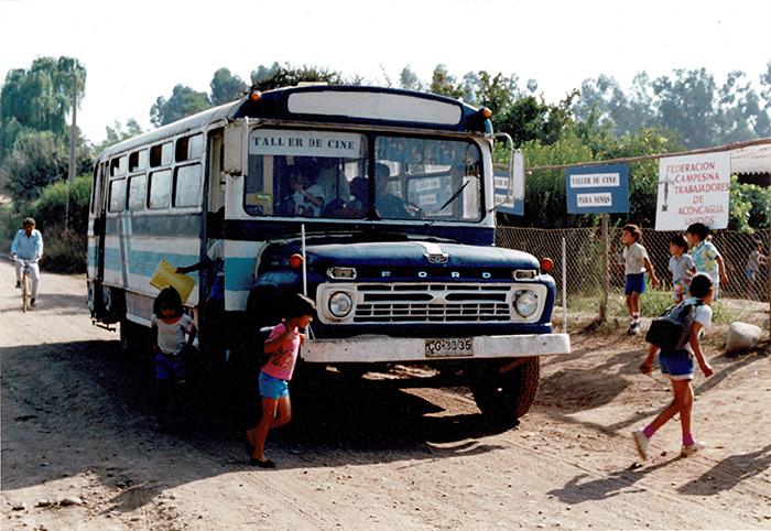 Taller de Cine para Niños, por Alicia Vega. Rinconda de los Andes, 1992. Cortesía: Galería Macchina/Fundación Alicia Vega