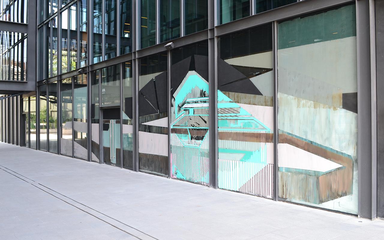 """El artista Ignacio Gumucio presentará en AFA """"Monumentos Personales"""", tres murales de dimensiones variables realizados con tiza y latex que intervienen las fachadas de la galería. Foto cortesía: AFA"""