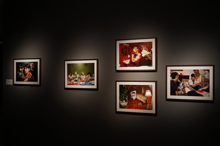 Cecilia Reynoso, Los Flores y las flores, 2009-2016, papel fotográfico, 60 x 40 cm. Cortesía de la artista
