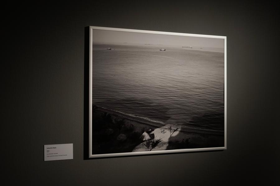Sebastián Mejía, Playa, 2012, Colombia. 110 x 87 cm. Cortesía del artista