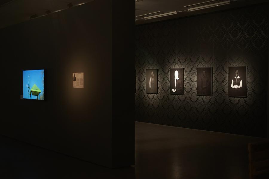 """Vista de la exposicíón """"6,7 GB. Una Exposición Encapsulada"""", en el Centro de Arte Contemporáneo (Torun, Polonia), 2018. Foto cortesía de CSW Torun Znaki Czasu"""