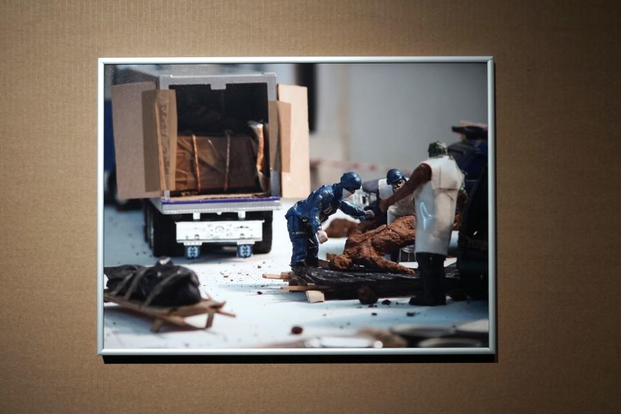 Norton Maza, Recorridos del deseo, 2006, papel semibrillo, 50 cm vertical (horizontal en proporción). Cortesía del artista