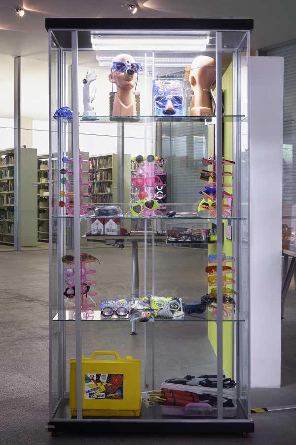 """Vista de la exposición """"Melquiades Herrera. Reportaje plástico de un teorema cultural"""", en el Museo Universitario Arte Contemporáneo (MUAC), 2018. Foto: Oliver Santana. Cortesía MUAC."""