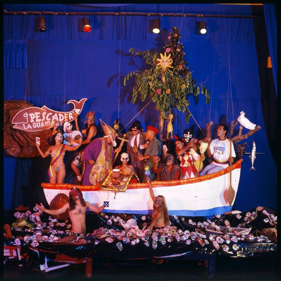 Nelson Garrido, La nave de los locos, 1999. Cortesía del artista y Espacio O, Santiago
