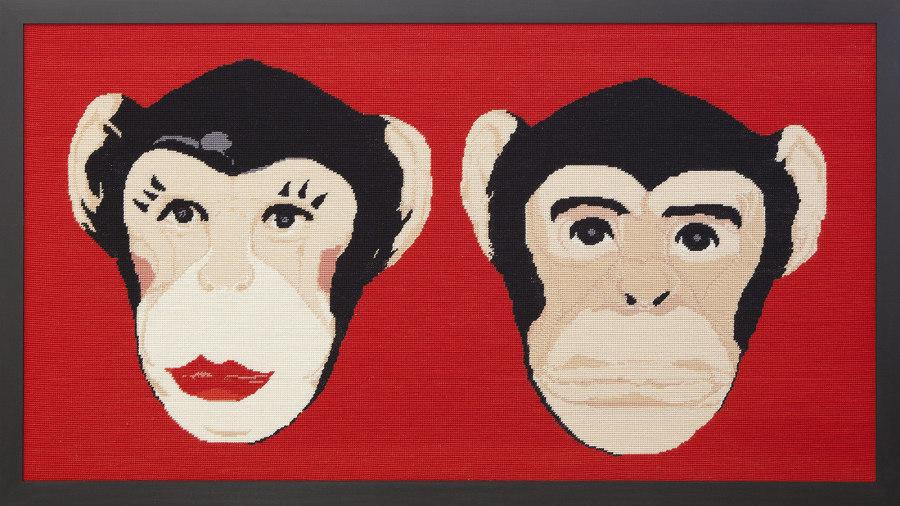 Nelson Leirner, Casal de macacos, 2017, tapiz, 110 x 220 © Giovanna Lanna /Silvia Cintra + Box 4