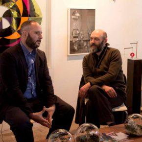 Pablo León de la Barra y Carlos Amorales conversan en Ch.ACO 2013. Foto: cortesía Ch.ACO.