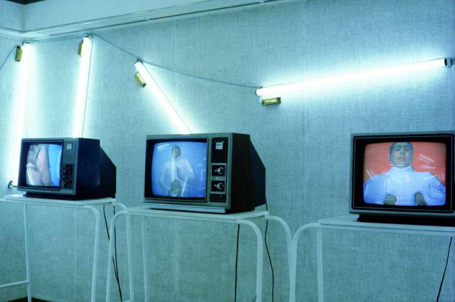 Carlos Leppe, Sala de Espera, 1980. Cortesía: Nelly Richard