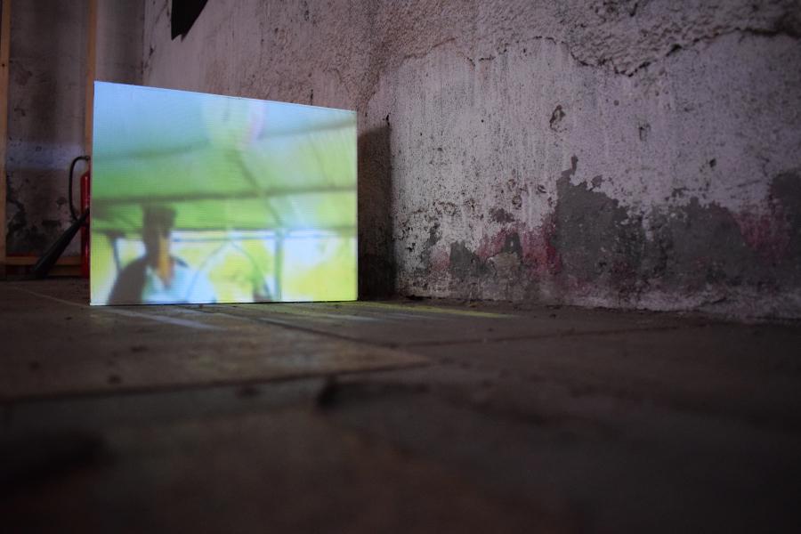 Ilich Castillo, Glitch Ecuador, 2008, video. Cortesía de los curadores y Museo CAV La Neomudéjar ©2018