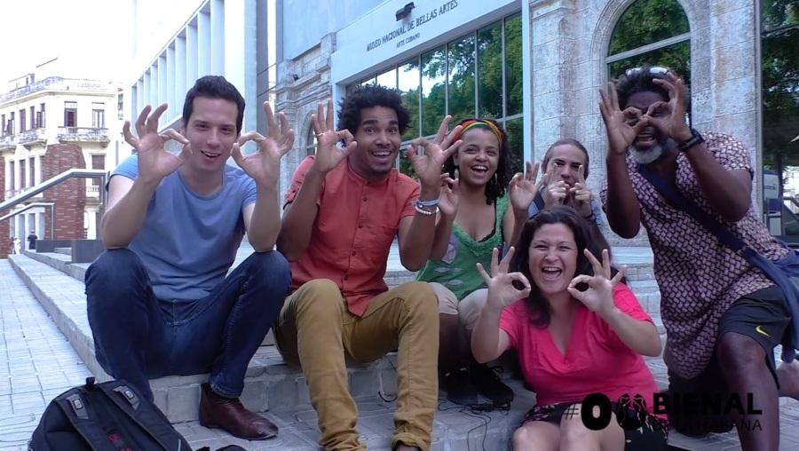 El equipo organizador. Cortesía: #00Bienal de La Habana