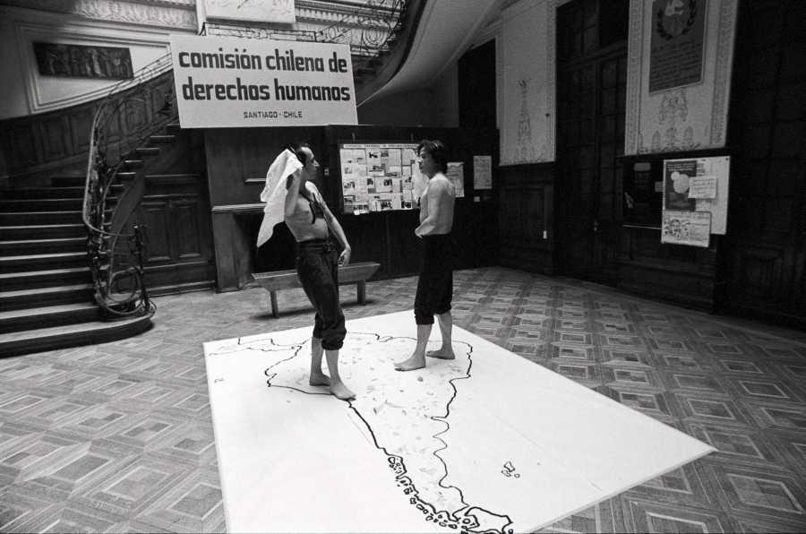 Yeguas del Apocalipsis, La Conquista de América, 1989. Fotografía: Paz Errázuriz