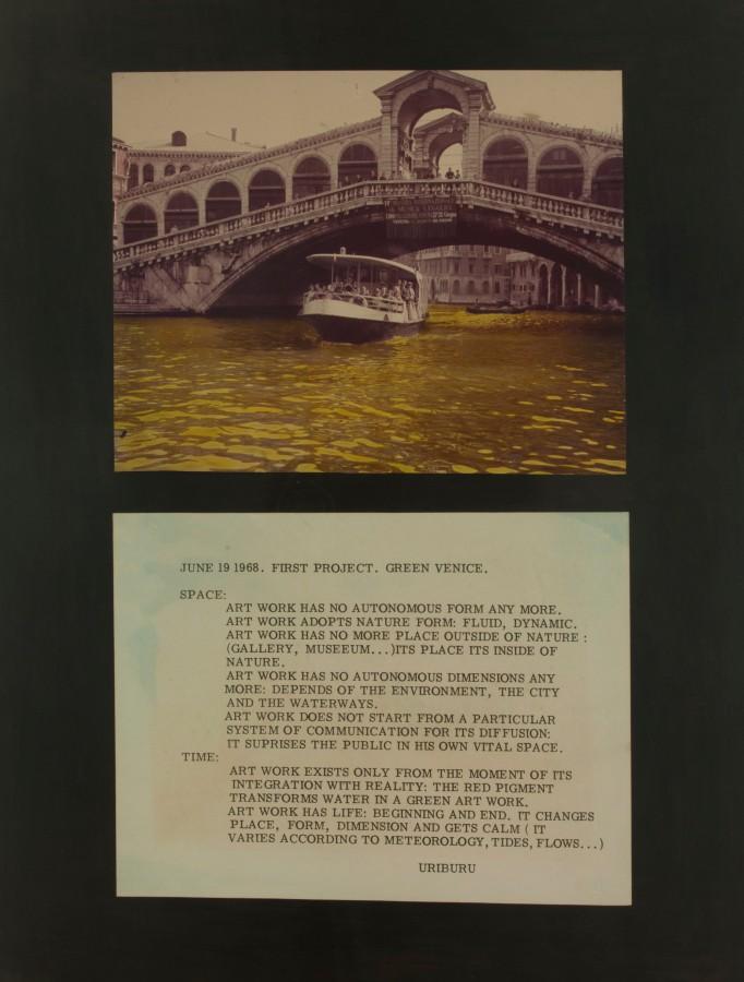 Nicolás García Uriburu, Coloración en Venecia, 1968, fotografía a color, 82 x 50 cm. Colección Museo Nacional de Bellas Artes. Donación Nicolás García Uriburu, 1974