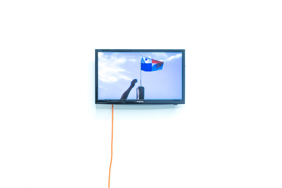 José Castrellón, The right to fly the flag, 2017, video, 1:00 min. Edición de 3 más 2 PA. Cortesía: Km 0.2