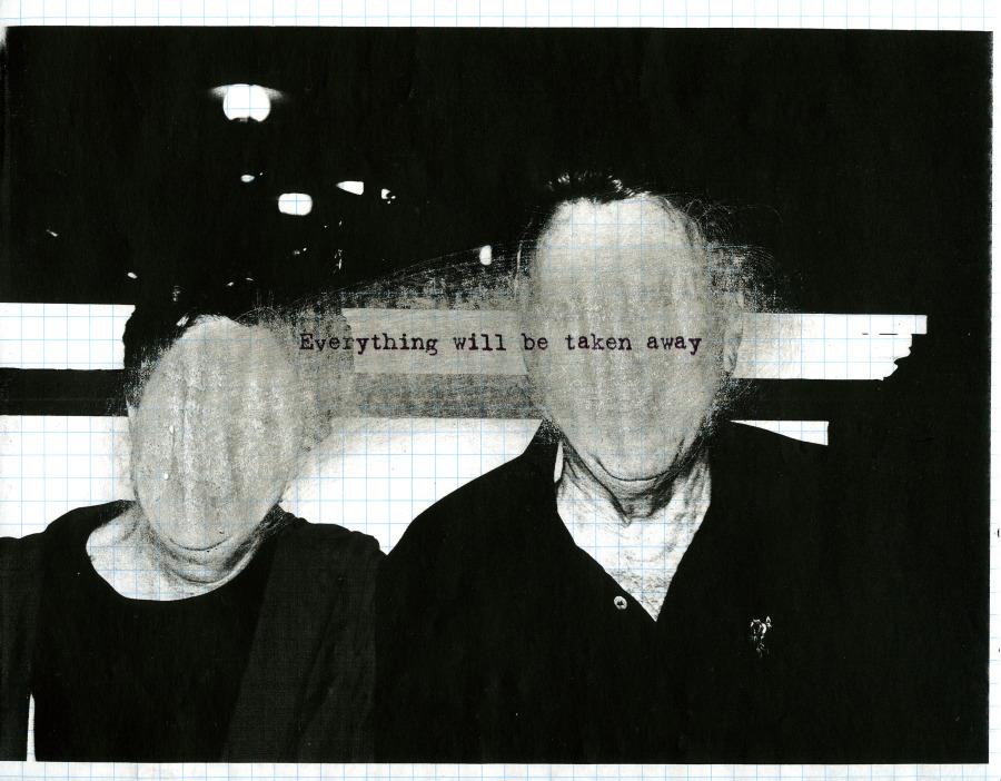 Adrian Piper, Everything #2.8, 2003, fotografía fotocopiada, lijada y sobre-impresa con texto, sobre papel cuadriculado, 21.6 x 27.9 cm. Colección privada © Adrian Piper Research Archive Foundation Berlin