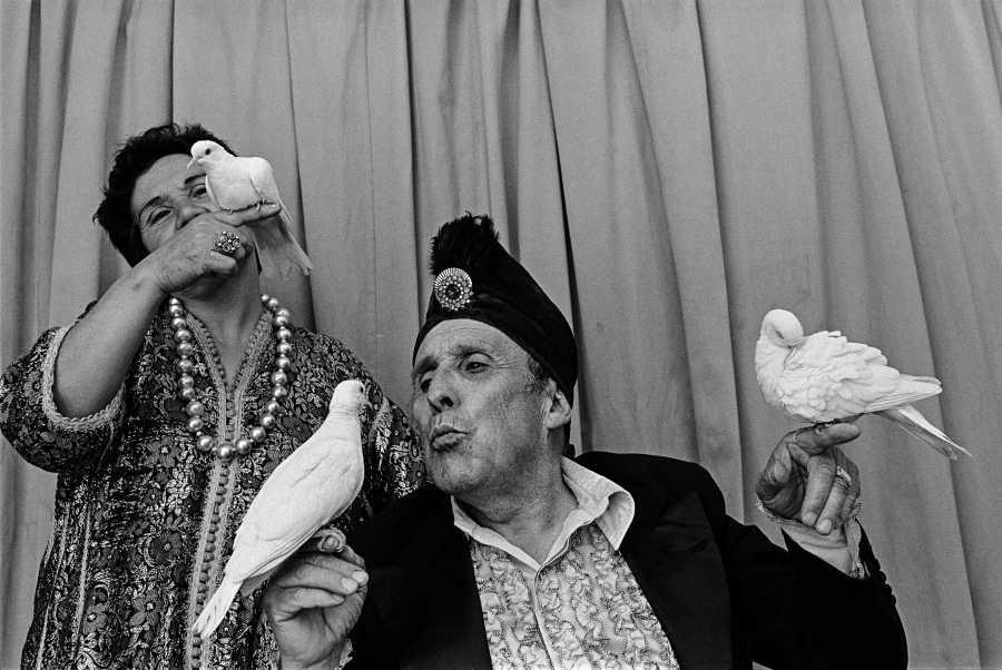 Paz Errázuriz, Mago Karman, de la serie El circo, 1988. Cortesía de la artista