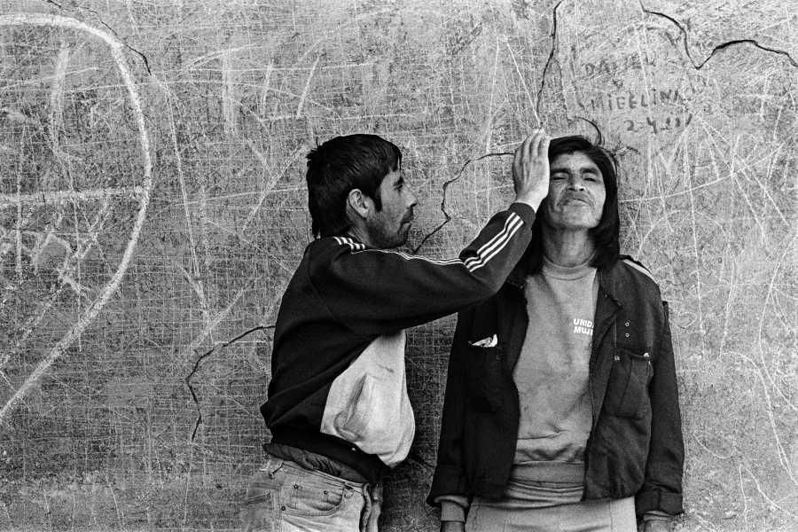 Paz Errázuriz, Infarto 30, Putaendo, de la serie El infarto del alma,1994. Cortesía de la artista